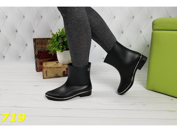 Ботинки резиновые модельные непромокаемые