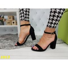 Босоножки черные на невысоком широком толстом каблуке с лямкой