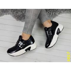 Кроссовки на высокой платформе с липучкой черные