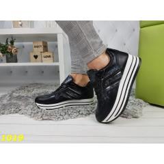 Кроссовки на высокой платформе черные