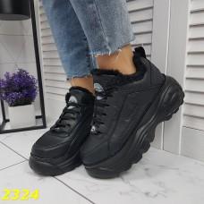 Зимние кроссовки на высокой платформе черные