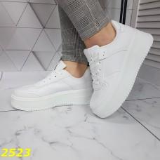 Криперы кроссовки на высокой массивной платформе белые