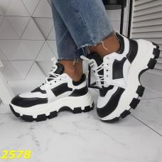 Кроссовки на тракторной массивной подошве высокой бело черные