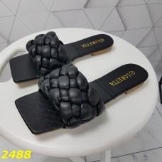 Шлепки шлепанцы коса косички плетеные черные на низком каблуке