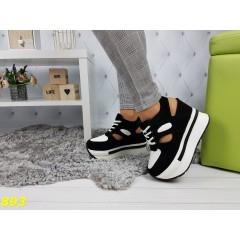 Сникерсы кроссовки на высокой платформе с открытой пяткой черно-белые