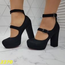 Туфли замшевые на широком толстом каблуке с ремешком застежками с красной подошвой