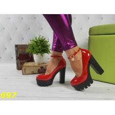 Туфли ботильоны красные на тракторной подошве с застежкой