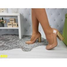 Туфли бежевые на толстом каблуке в стиле Шанель